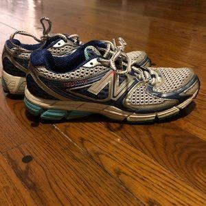 👟🏃🏽♀️ Women's size 10.5 running shoes. NB860V3